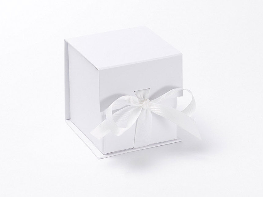 White cube giftbox ribbon